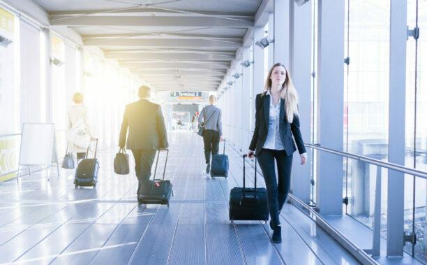 Business Frau am Reisen SAP Concur