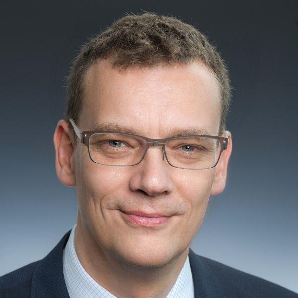 Mario Hendrich Nagarro ES